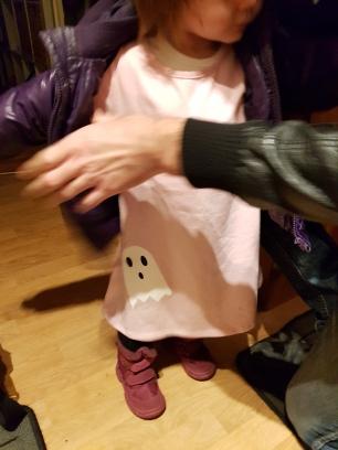 På väg till halloweenfirande