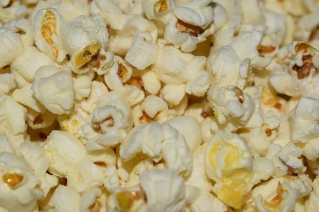 Spispopcorn är godare och nyttigare än mikropopcorn